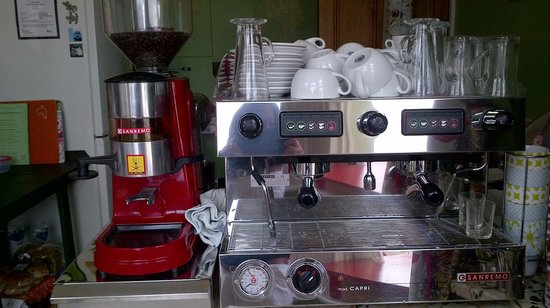 Cafe Verde: Our fantastic coffee machine