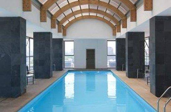 Park Plaza Apart Hotel: Pool
