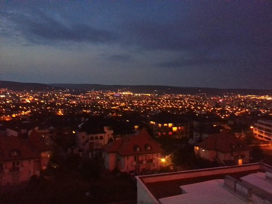 Grand Hotel Italia: cluj by night, view from 5th floor.