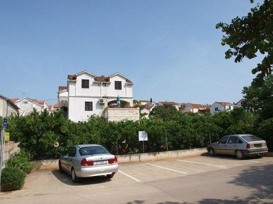 Villa Dinka