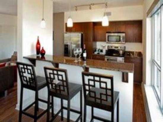Royal Suites at Belcarra : Bellevue One BRKitchen