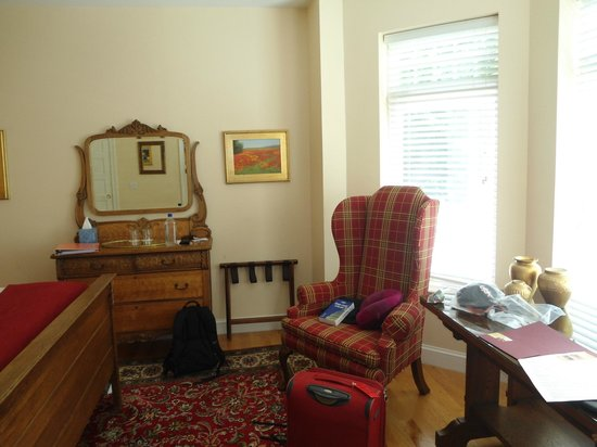 Woodley Park Guest House: Resto della camera