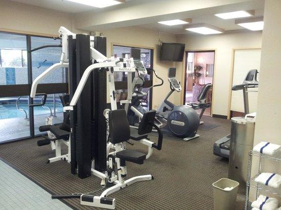 Shilo Inn Suites Hotel - Portland Airport : Gym