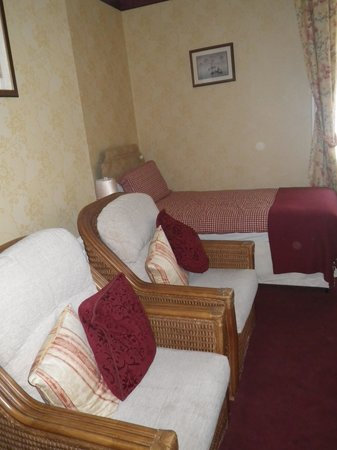 Raincliffe Hotel : The bedroom