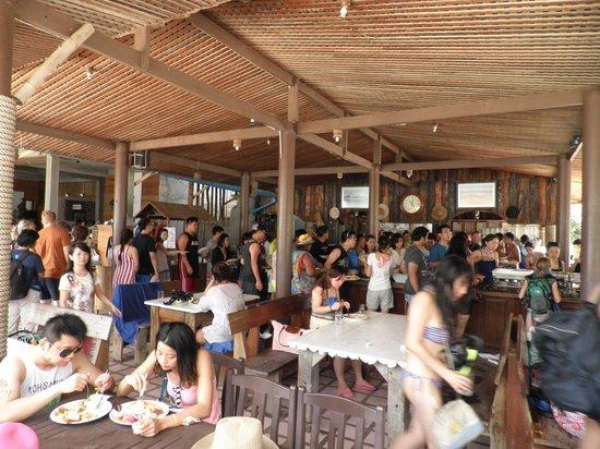 Nangyuan Island Dive Resort: la coda per mangiare