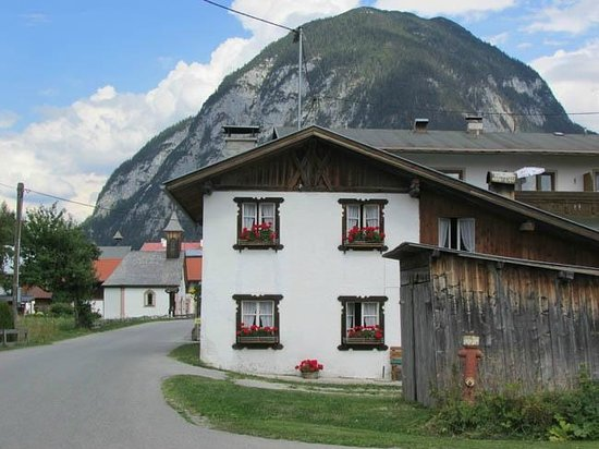 Pension Wetterstein: The neighborhood