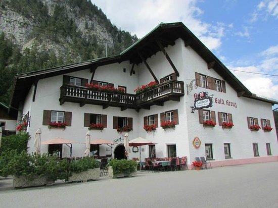 Pension Wetterstein: Gasthaus Zum Golden Kreuz