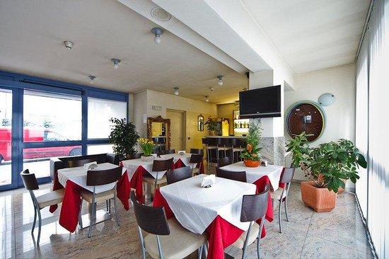 Motel Autosole 2 S.R.L: Bar Con Sala Colazioni