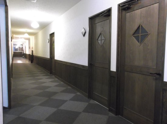 Kannawa Yunoka : 新館客室前廊下