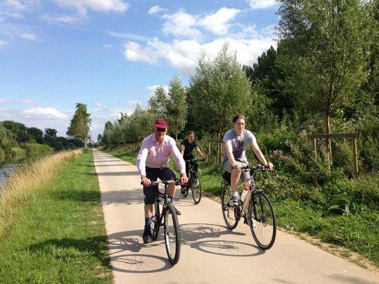 Relais Vauban : Cycling towards St Valery-sur-Somme