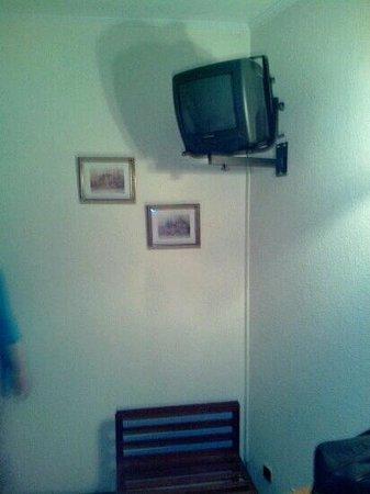 Hotel Peninsular : habitación estandar - tv