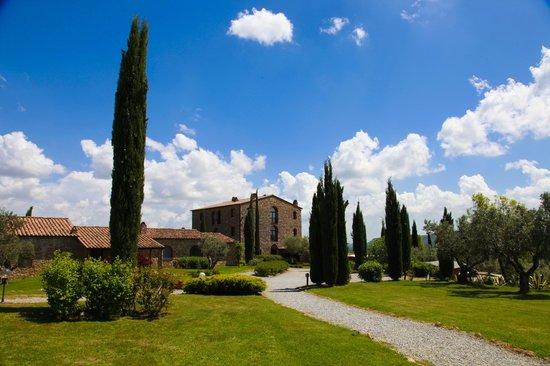 Il Convento di Monte Pozzali: Anlage vom Pool aus betrachtet