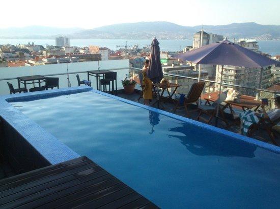 Hotel Axis: Piscina