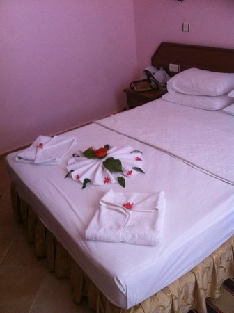 Tumen Hotel: the cleaning lady was very artistic