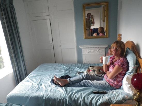 Dromonby Bridge B&B : The bedroom with Mrs