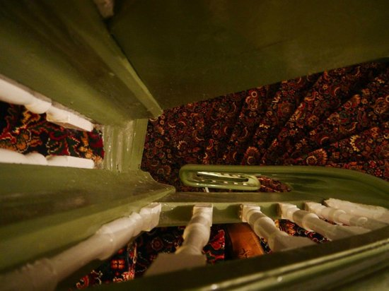 Gotthard Residents: лестница