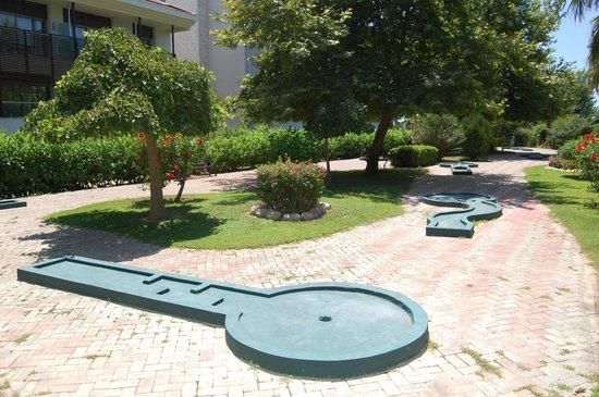 Alba Resort Hotel: mini golf
