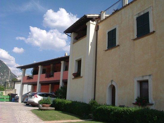 Il Borgo del Fattore B&B: esterno della struttura
