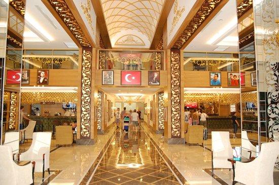Alba Resort Hotel: lobby