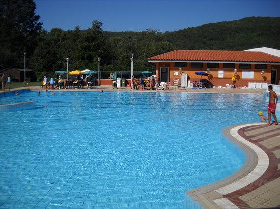 Formicola, Italia: piscina