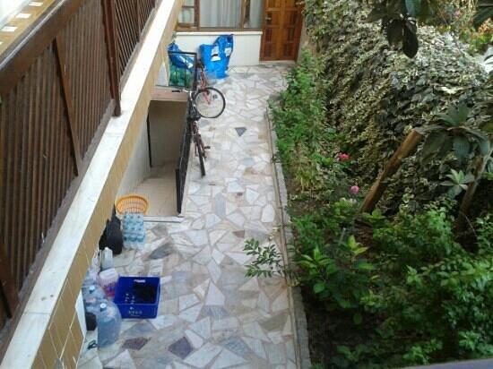 Hotel Akay: patio