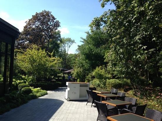 La terrasse foto van le jardin les crayeres reims tripadvisor - Restaurant le jardin reims crayeres ...
