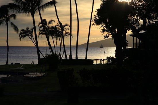 Napili Kai Beach Resort: Beautiful evening view from room 104 - tunliweb.no