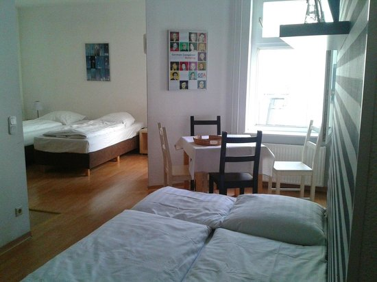 Old Town Apartments - Schoenhauser Allee: stanza