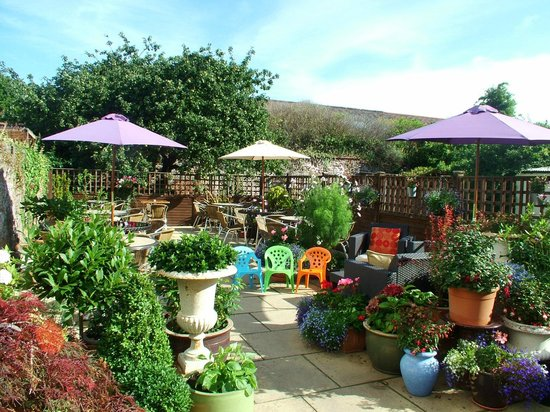 Apple Tree Tea Rooms: Stylish seating for all