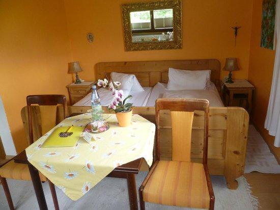 Landhaus Greiderer : Blumen-Komfortzimmer