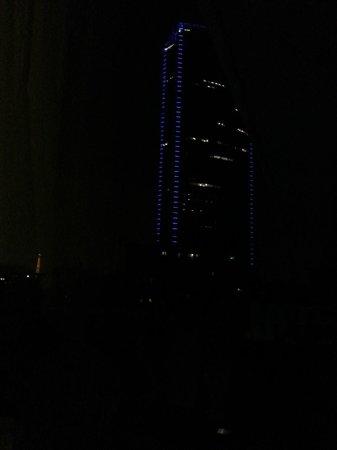 Mercure Paris Gare Montparnasse: Tour Montparnasse e Tour Eiffel di notte