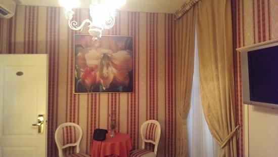 Relais Fontana Di Trevi: Zimmer 103