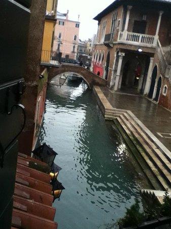 Locanda Poste Vecie : Vista sui canali