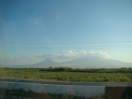Three Jugs : Ararat