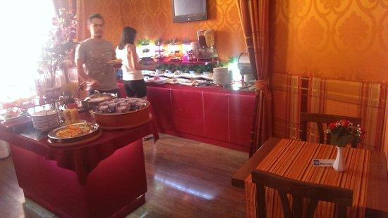 Relais Fontana Di Trevi: Breakfast Room