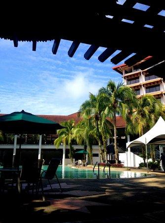 Sabah Hotel: Poolside