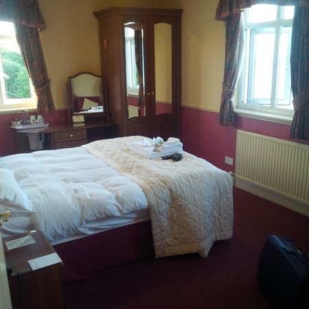 White Lodge Hotel: Lovely spacious airy and bright room