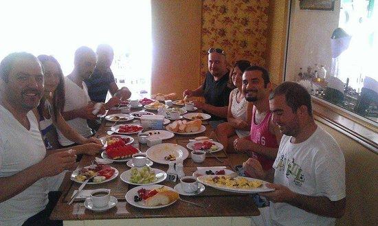 Baron Restaurant Karon: my breakfast party