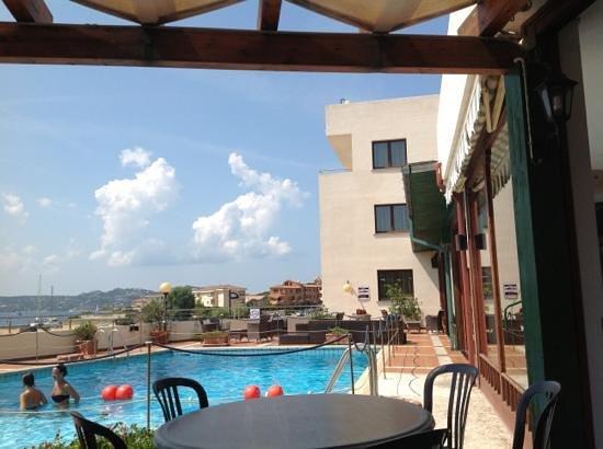 Hotel Miralonga : area piscina e panorama