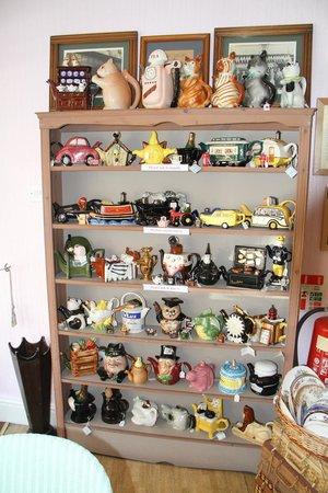 Bullivant of York: Teapots, Teapots and more Teapots