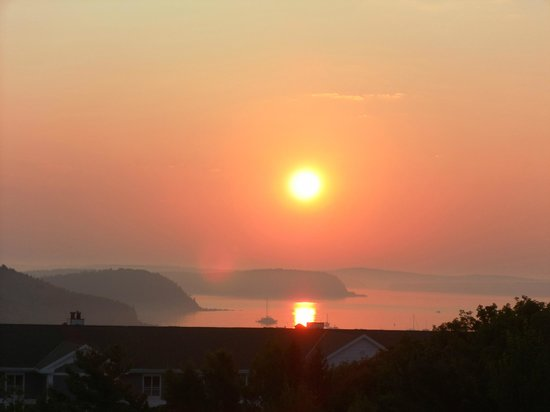 Atlantic Eyrie Lodge: Sunrise...amazing