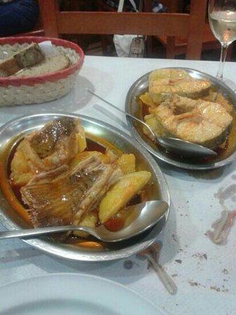 Meson Manolito: raya y merluza a la caldeirada