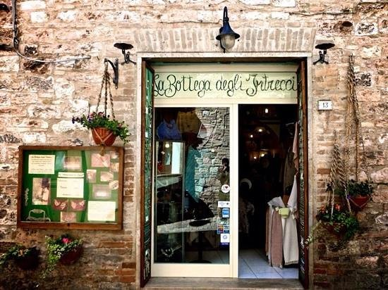 Spello, Itália: La Bottega degli Intrecci è un laboratorio di artigianato artistico
