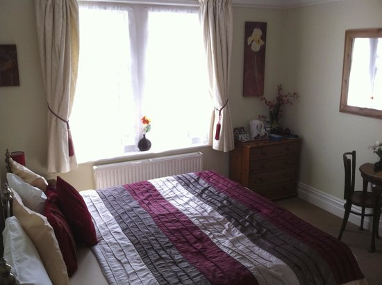 Rivendell Guest House: Double room with king sized bed