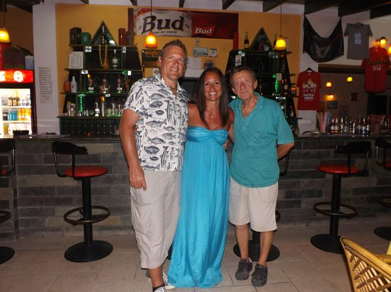 Yiannis II Hotel: Yiannis and us