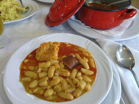 Castru el gaiteru: Buena fabada