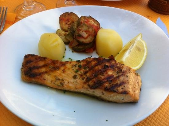 l'Escale : Pavé saumon dans le menu à 22€50