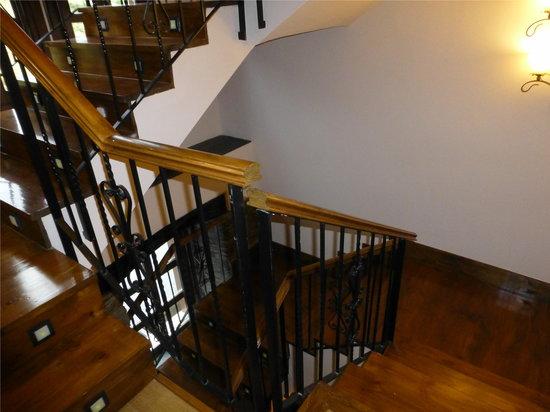 Hotel Mirador de Barcia: Escalera interior