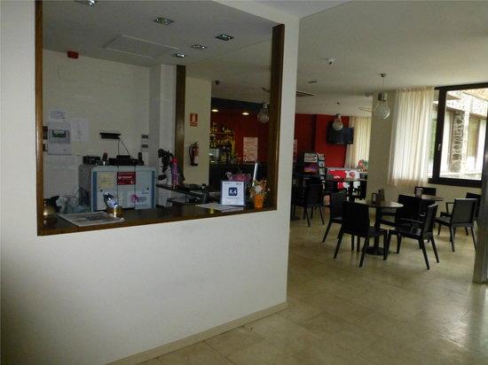 Hotel Mirador de Barcia: Recepcion y bar