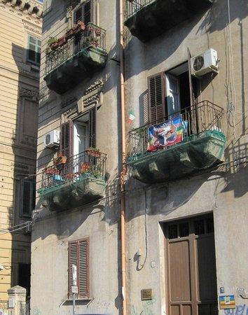 A Casa di Amici Bed and Breakfast : La facciata e l'ingresso